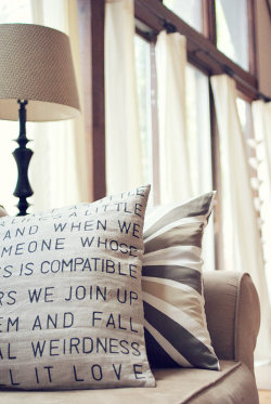 scissorsandthread:  DIY Stencil Pillow | Wit & Whistle We all have little phrases and quotes that help us through the day - for me it's the quote 'Do the thing you think you cannot do' by Eleanor Roosevelt. At the moment it's stuck to my door with a little piece of paper, but I would love to have it on a canvas or pillow like this. There's so many different songs and styles you could do too - great for a kids room with nursery rhymes or a gift to a friend with a quote that means something to the both of you!