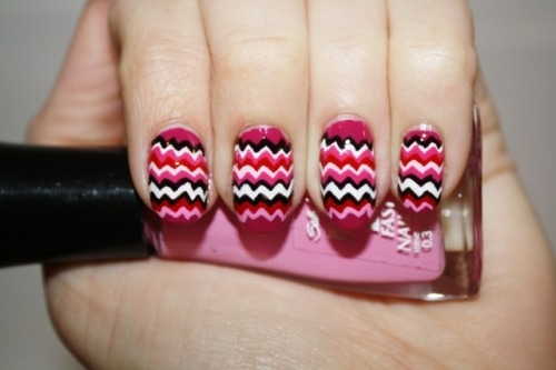 polishyoupretty:  Valentine's Missoni Click the photo to see the full tutorial from Polish You Pretty!  Love it!