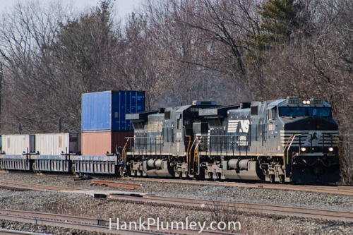 NS Frieght Eastbound on Flickr.A Norfolk Southern headed east towards Cleveland, Ohio. January, 2012.
