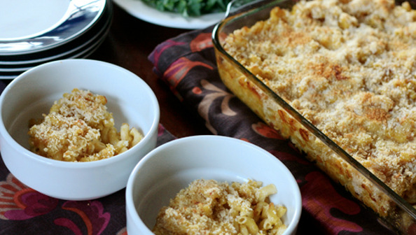 Pumpkin and Onion Macaroni and Cheese  (via 30 Days 30 Ways with Macaroni & Cheese @foodietots)