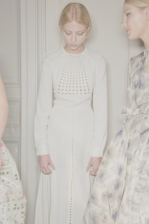 the-front-row:  Backstage at Valentino couture ss12