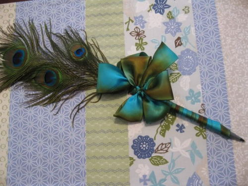 rehanaswedding:  DIY Guestbook Pen  Wow. This is gorgeous!