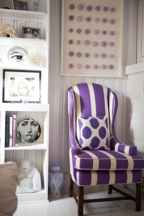 Need this chair! (photo of Jules Reid's home by Della Bass)