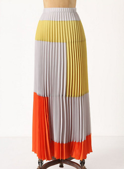 Why does Anthro have to be so darn expensive? Saw this skirt while wandering through their store today and fell in heavy love. It's a great weight, color combo, and I love to pleating. All around wonderful…