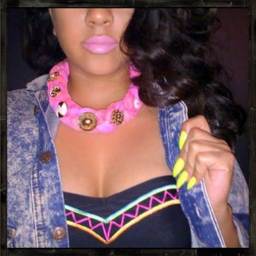 gunsgoldgirls:  new SODAOIL.COM pretty in pink necklace.