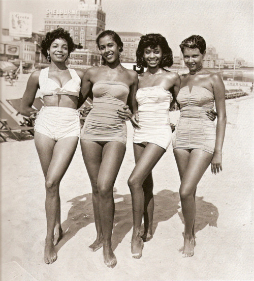 blackhistoryalbum:  Beauty and the Beach II | 1957 A bevy of African American fashion models strut there stuff on the beaches of Atlantic City, NJ, 1957. FIND US ON TWITTER | FACEBOOK | FLICKR  SUBCRIBE VIA  RSS | EMAIL  fancy fancy