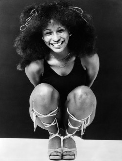 the-white-mans-struggle:  ramblingsofawino:  yanghi:  Chaka Khan.   Young Chaka could've got it I wanna build a time machine and stroke her.