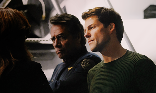 blam-bitchpuddin:  this is a lee adama's sweater appreciation life