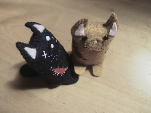 zombie cats! Part of a package I sent off earlier this week!  http://www.etsy.com/shop/ellaclawley