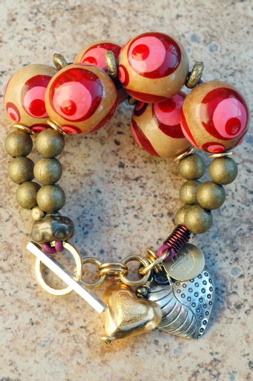 Valentine's Day Bracelet: Valentine's Day Red and Pink Wood Ball and Brass Heart Charm Bracelet