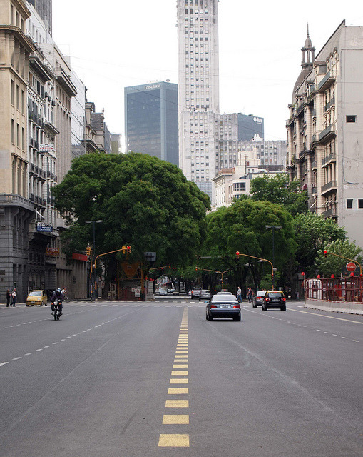 avenida by Nonchalente on Flickr.