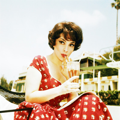 Gina Lollobrigida c. 1960 beautiful!!!