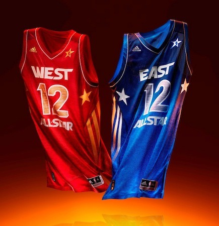 nbaoffseason:  The starters for the 2012 All Star Game will be unveiled tonight on TNT at 7pm/4pm.  They may be counting a few last minute votes over at NBA headquarters, but I believe we can safely assume the following people will be starting. Eastern Conference:  Dwight Howard, Orlando Magic  Carmelo Anthony, New York Knicks  LeBron James, Miami Heat Dwyane Wade, Miami Heat  Derrick Rose, Chicago Bulls  Western Conference:  Andrew Bynum, Los Angeles Lakers  Blake Griffin, Los Angeles Clippers Kevin Durant, Oklahoma City Thunder Kobe Bryant, Los Angeles Lakers, Chris Paul, Los Angeles Clippers It's almost a shame that the All Star Game isn't in Los Angeles this year with the amount of local favorites in the starting line up.  The game will take place on Sunday, February 26th at the Amway Center.  More as the story develops.