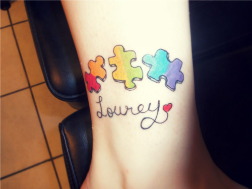 courtneylynnlamb:  Better picture of my new Tattoo! :) (the colors are brighter and better in real life)