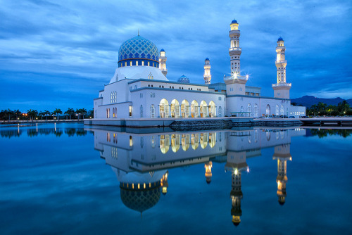travelingcolors:  The City Mosque in Kota Kinabalu | Malaysia. (by binh.le on Flickr | via visitheworld)