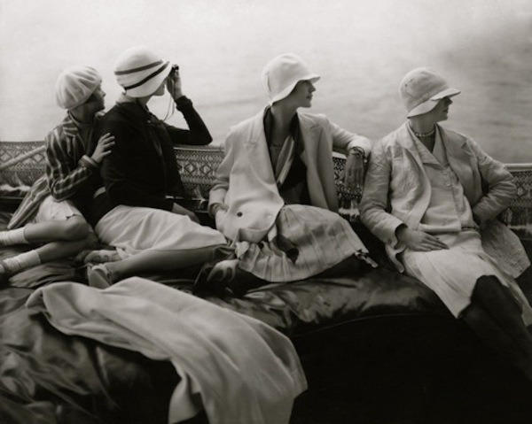 lauramcphee:  Vogue, 1929 (Edward Steichen)