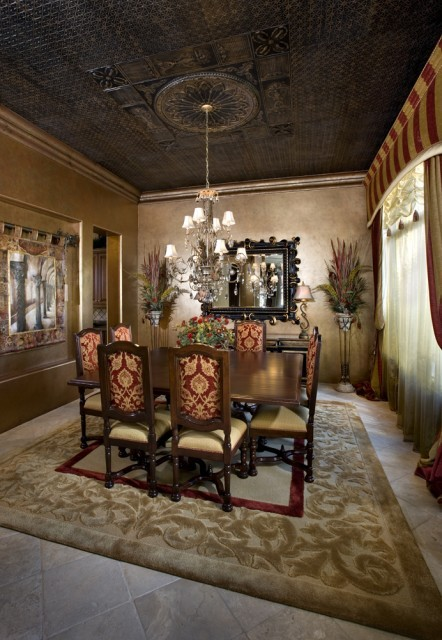 I love this dining room, with it's decadent, Old World Venetian feel.The use of rich fabrics and warm colors make this room look like something out of a Doge's palace. (via VM Concept Interior Design Studio)