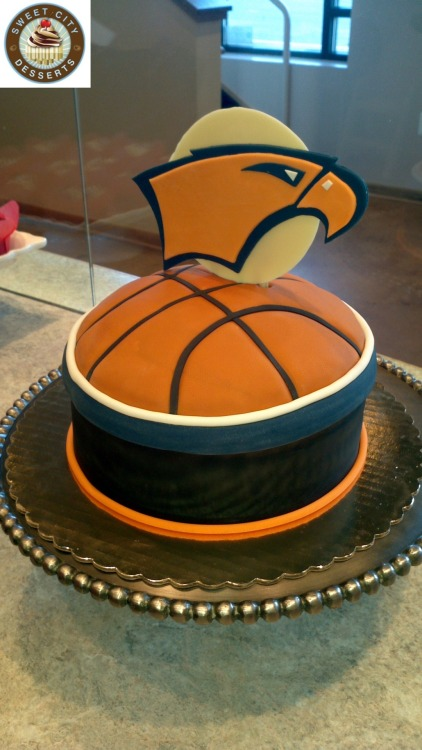 sweetcitydesserts:  Special order cake for the basketball team of Briar Woods High, the school of champions!  yup