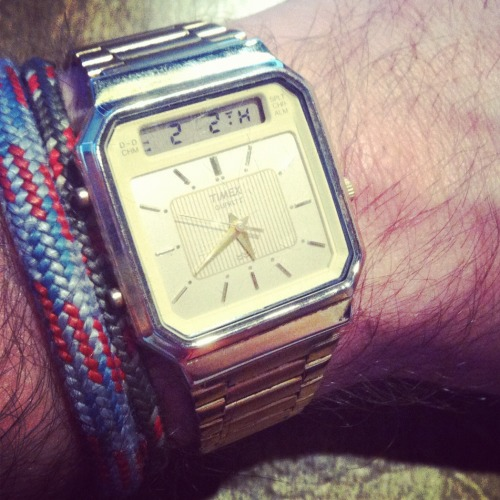landed this rad timex today in a local vintage shop called Gypsy Rose. havent been able to figure out when this beauty was produced.  nearest guess so far is the 80's, but id have to disassemble the watch for a definitive answer.  couldnt believe that it was fully functional!