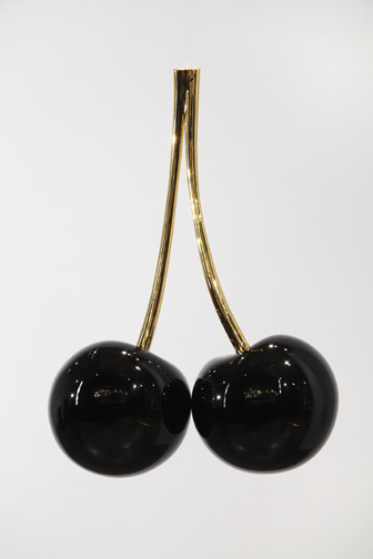 tra-noi:  Vincent Szarek. Black Cherries. 2011.