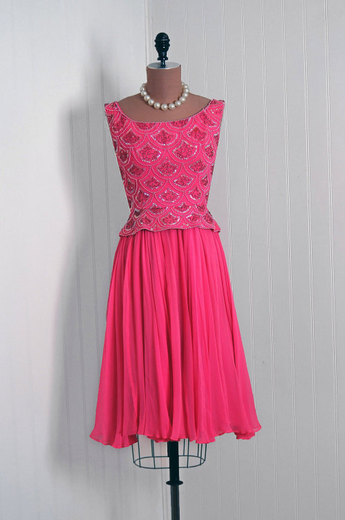 Dress 1960s Timeless Vixen Vintage