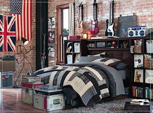 pictorialdesign:  A musican's dream bedroom. I LOVE that lamp.  YES!!!!