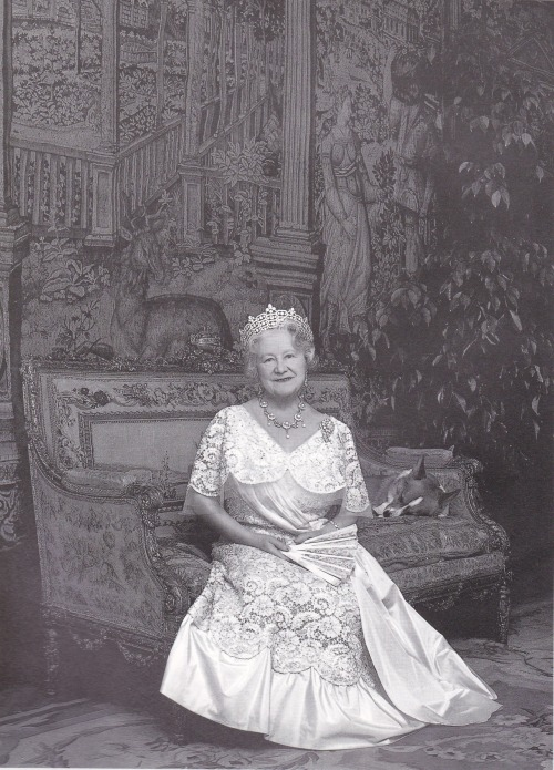 vintage-royalty:  The Queen Mother's official portrait for her 87th birthday. Note the corgi.