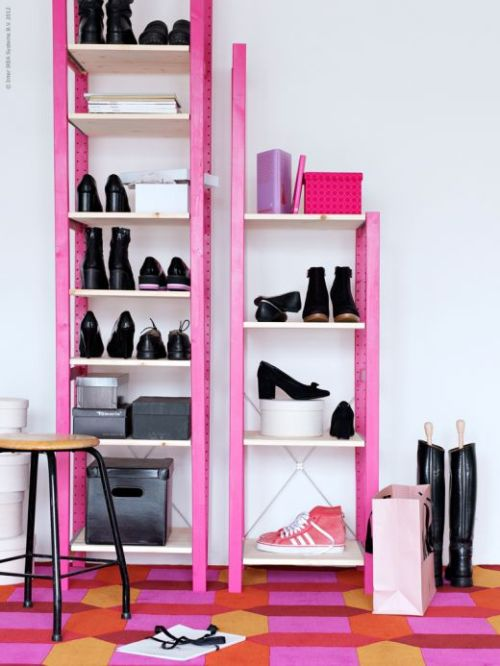 IKEA SPOTTED // IVAR shelving system, IKEA STOCKHOLM FIGUR low-pile rug in pink/multicolor, KVARNVIK 3-box set in white, KNÖS box with lid in black [via IKEA Livet Hemma – Shoerum]