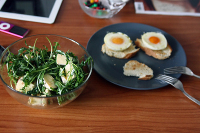 rucola & brie, pachot eggs & crostini for brunch