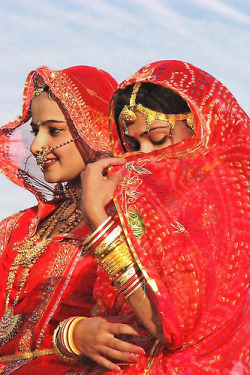 indiaincredible:  Rajasthani Beauties (by Tilak Haria)