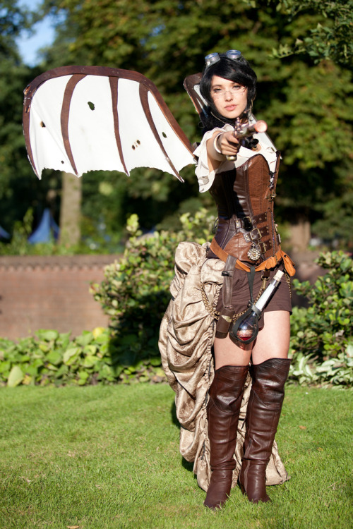 fuckyeahurbantribes:  FUCK YEAH STEAMPUNK  WINGS == :D