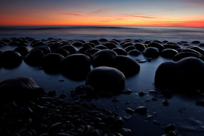 Bowling Ball Beach at Dusk by Tōn on Flickr.