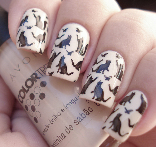 lavenderwhip:  Nails for the cat ladies.  I want this!