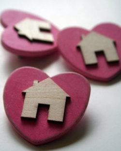 """home is where the heart is"" gorgeous handmade wooden brooch"