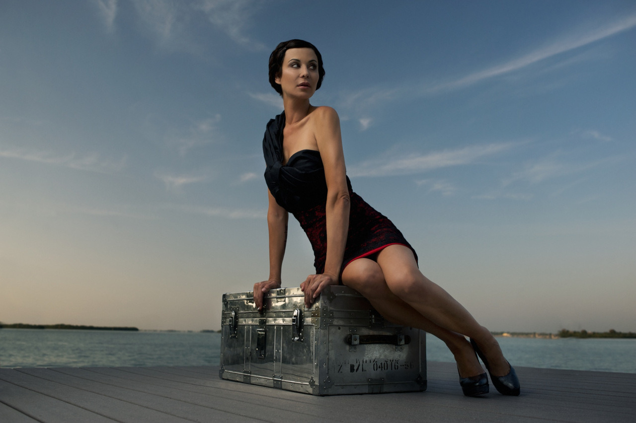 Catherine stars in this aviation inspired concept shoot by Felix Kunze. We channeled Emilia Earhart, the golden age of aviation and the glamour of travel with a slight equestrian twist. Catherine is a popular US TV actress on shows such as JAG, Army Wives and various feature films Catherine wears top by Gaetenavarra, skirt by Gioffre, shoes by Gioffrehair/make-up - Christine Wheaton - Femme Akoi Make Upstyling - Adam Christoffel - gioffrefashion.comassistant - Alex Scott, Alexa Gurney more at www.felixkunze.com