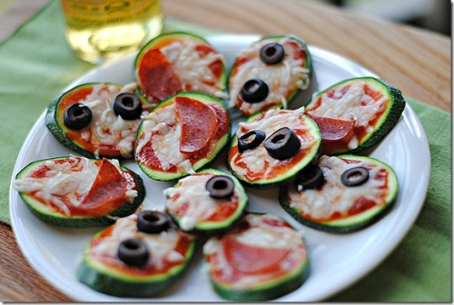 mini zucchini pizzas: recipe here