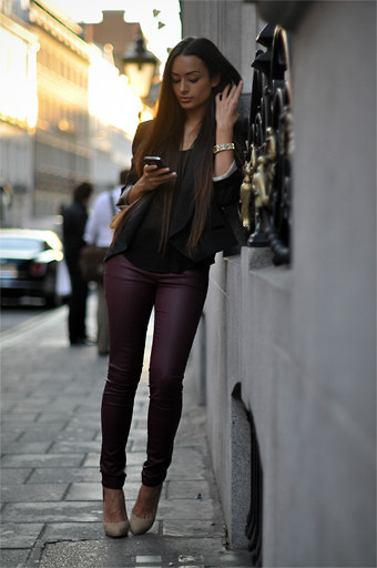 le-estilo:  This whole outfit, the pants, the shoes, uh I love it!