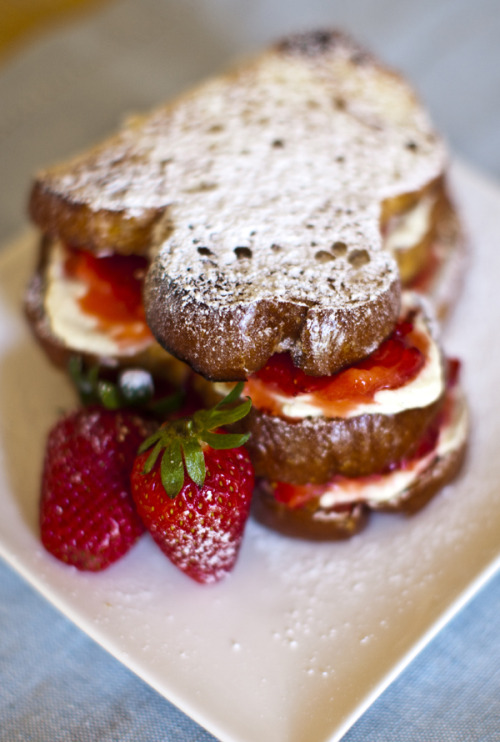 Strawberry Vanilla Cream Sandwich (recipe)