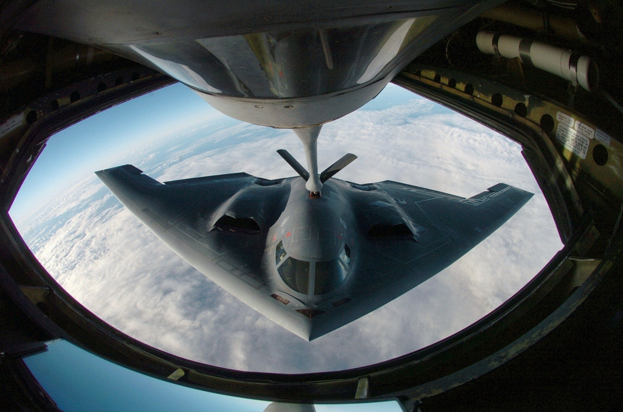 Refueling of a Northrop-Grumman B-2 Spirit, the stealth bomber.