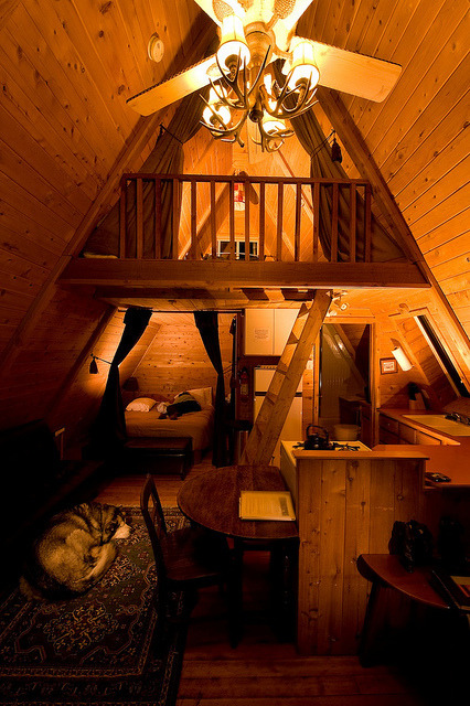 this looks freakishly identical to the loft i stayed in with mrs. d. minus the amazingly adorable bear.