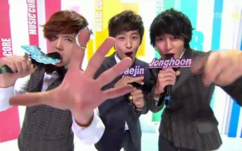 MBC Music Core 02.04.2012 Today on Music Core featured a comeback performance by FT Island and a solo debut by Brown Eyed Girls' Miryo. Performances today by Teen Top, MBLAQ, T-ara, FT Island, Lee Hyun, B.A.P, Brian, Miryo, Boyfriend, Rainbow Pixie, Dal Shabet, LED Apple, Nine Muses, Park Hyun Bin, Chaos, Chocolat, AXIZ, Block B (Watch the performances)