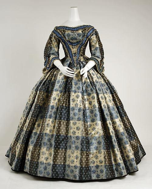 omgthatdress:  Dinner Dress 1855-1859 The Metropolitan Museum of Art