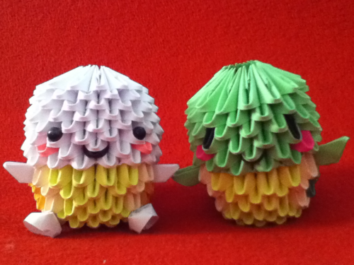 3D origami turtles! An albino one and a normal turtle.
