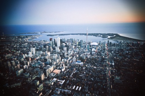keepitabstract:  Toronto Skyline.