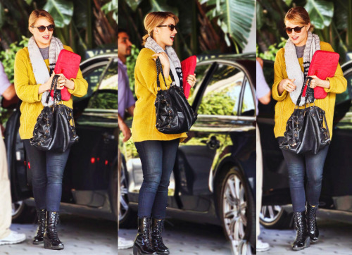 I literally think she's flawless, even casual she looks impeccable.