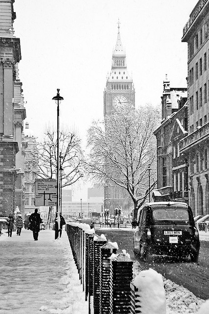 salveo:  Snowy day in Londontown
