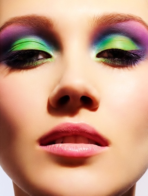 beautycutelove:  Bright eyeshadow!