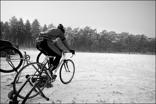 This reminds me of Band of Brothers. Warming up at -11°C By: @kristoframon