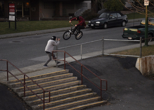 Went to this famous bank to fence today and Desson did this sick 180 over the fence and sidewalk.