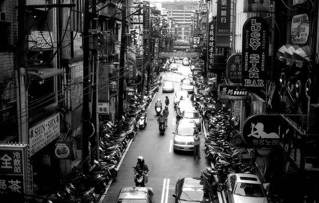 Back to the real life : ) on Flickr.PolypanF50@100, NikonFE Keelung 基隆 The port city